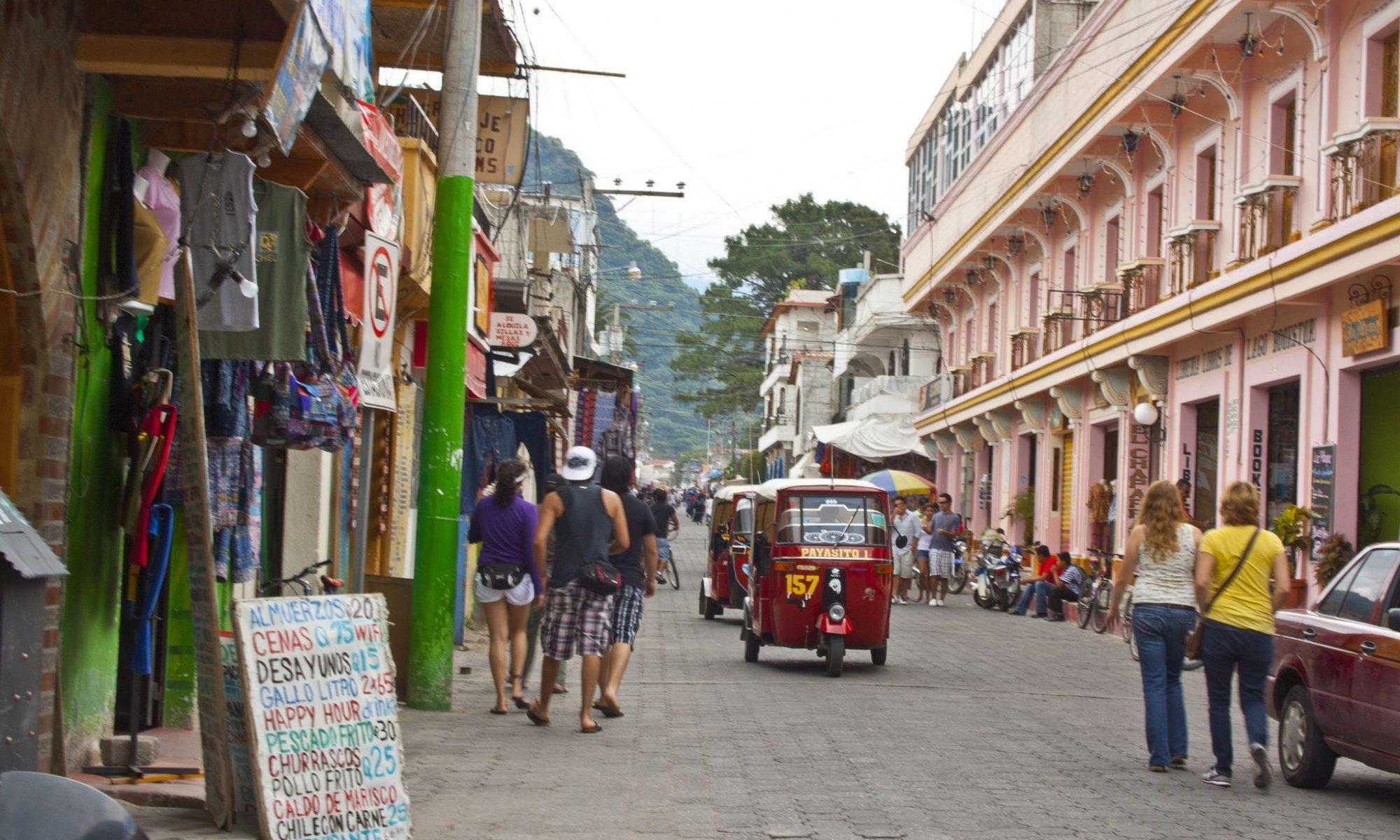Vista panoramica de la ciudad de antigua en Guatemala